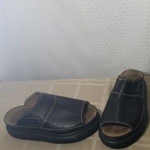 Men's Dr.  Marten slides slip on sandals sz 8